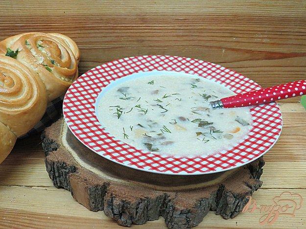фото рецепта: Суп с лесными вешенками и шпинатом.