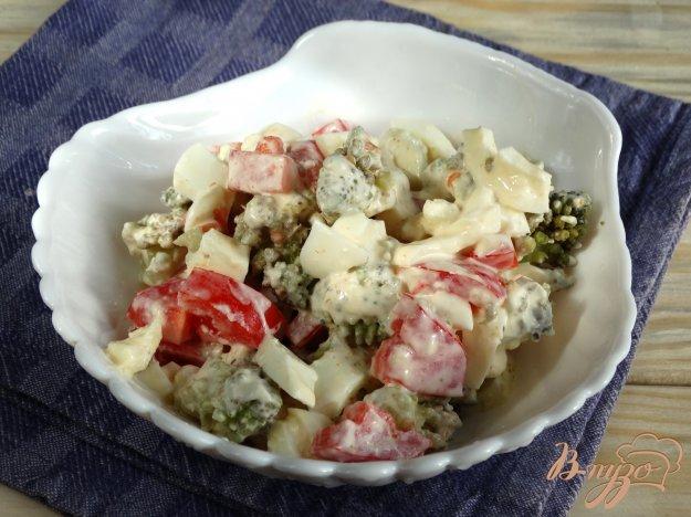 фото рецепта: Салат с капустой романеско и яйцами