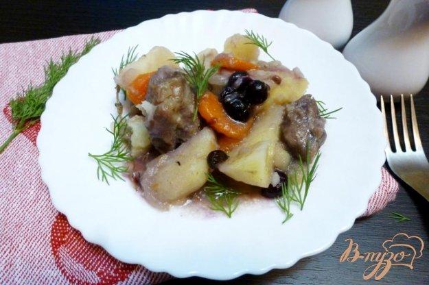 фото рецепта: Баранина с картофелем и виноградом