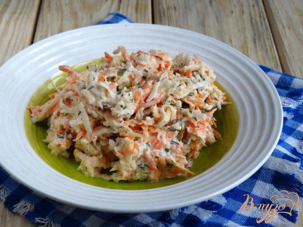 фото рецепта: Салат с дайконом и сыром