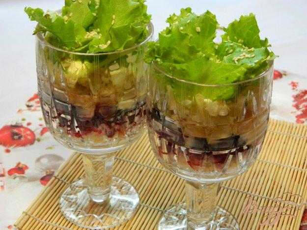фото рецепта: Салат свекольный с черносливом и кунжутом