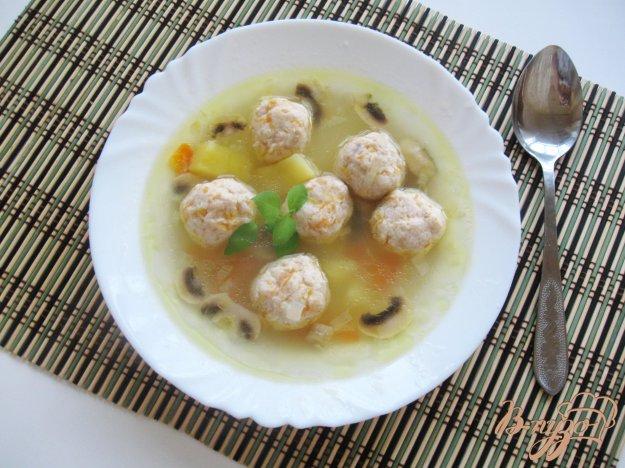 фото рецепта: Суп с фрикадельками из тыквы и курицы