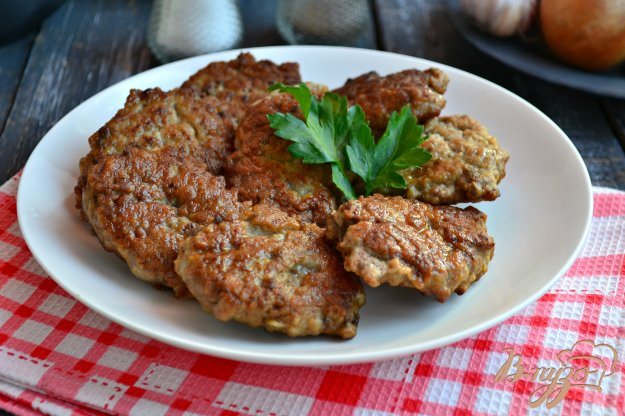 фото рецепта: Котлеты из свиной  печени и курицы