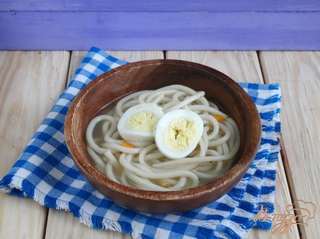 фото рецепта: Куриный бульон с букатини и яйцом