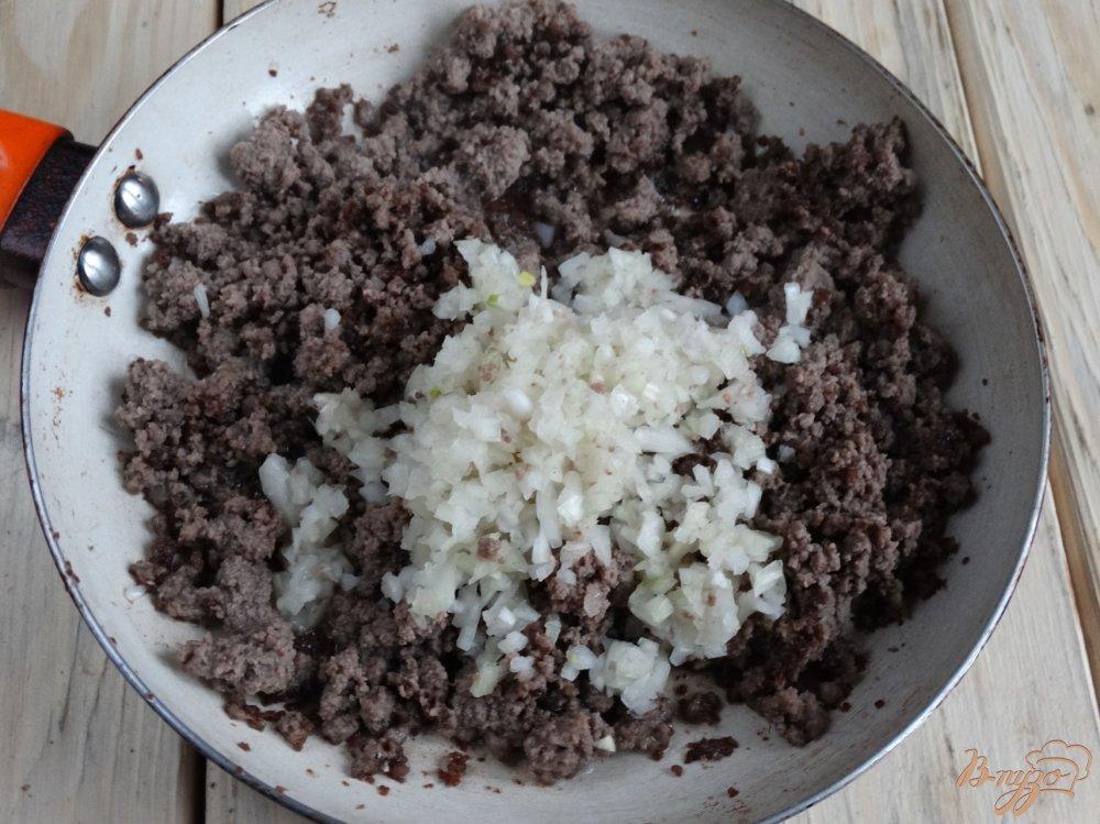 Фото приготовление рецепта: Бефстроганов из говяжьего фарша шаг №3