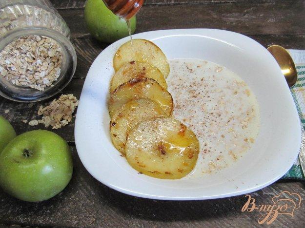 фото рецепта: Овсянка со сливочными яблоками