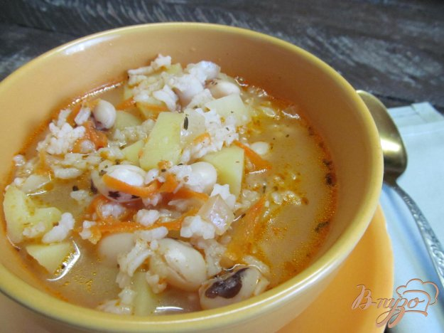 фото рецепта: Томатный суп с рисом и фасолью