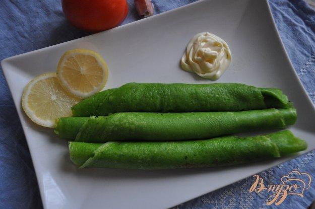 фото рецепта: Зеленые блинчики со шпинатом
