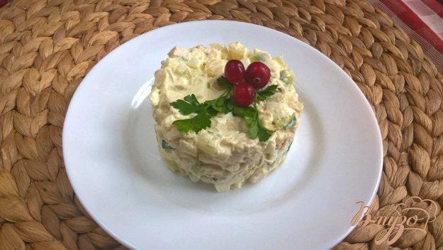 фото рецепта: Салат с куриной грудкой, свежими огурцами и картофелем