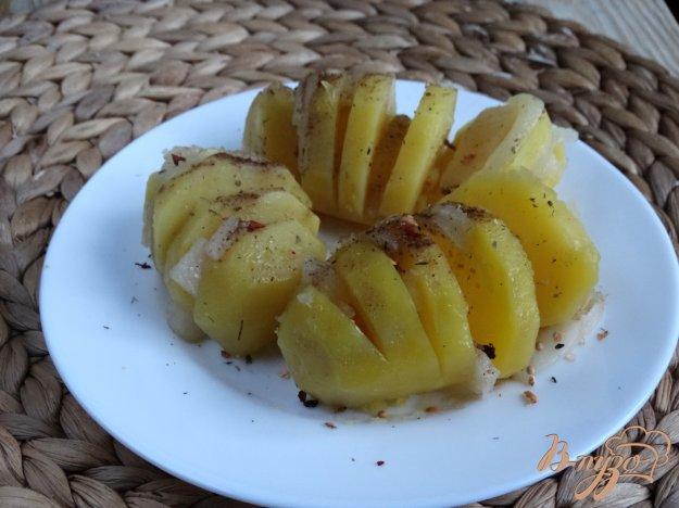 фото рецепта: Картофельные гармошки с салом в мультиварке