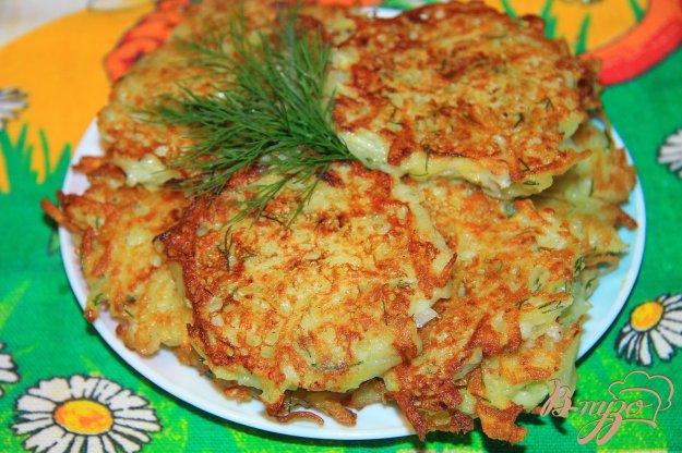 фото рецепта: Картофельные драники с луком и зеленью