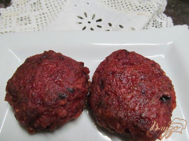 фото рецепта: Мясные котлеты со свеклой
