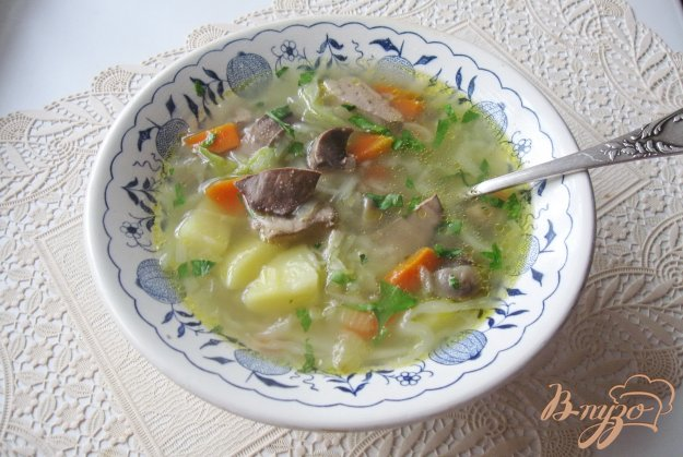 фото рецепта: Овощной суп с куриной печенью