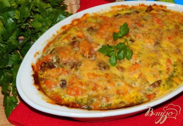 фото рецепта: Рисовая запеканка с грибами и помидорами