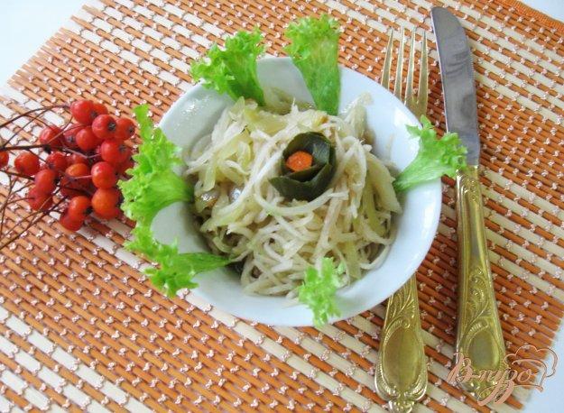 фото рецепта: Салат из редьки с консервированными огурцами