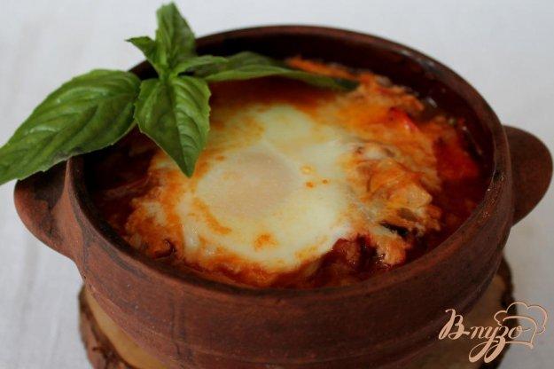 фото рецепта: Гювече в горшочке с яйцом и брынзой