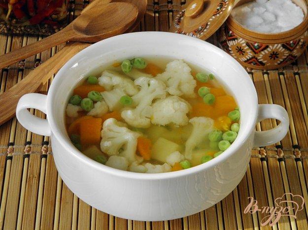 фото рецепта: Суп овощной с горошком и цветной капустой
