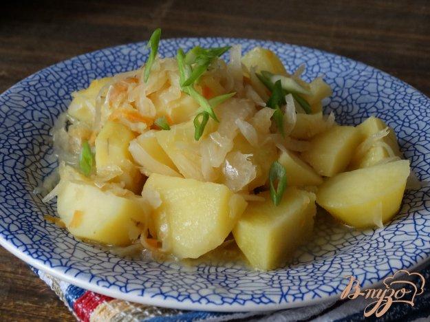 фото рецепта: Рагу из картофеля и квашеной капусты