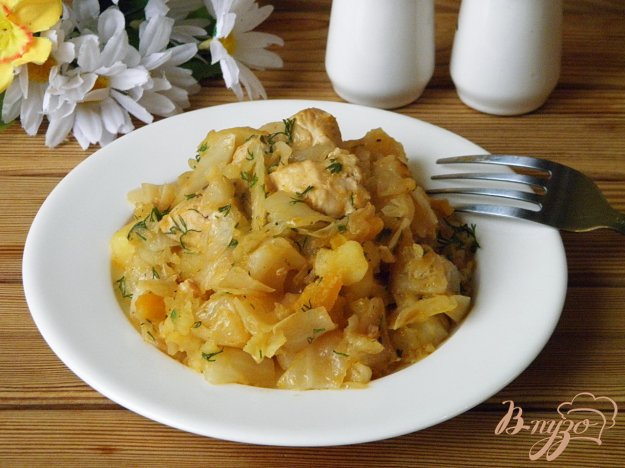 фото рецепта: Рагу с курочкой и жареной капустой