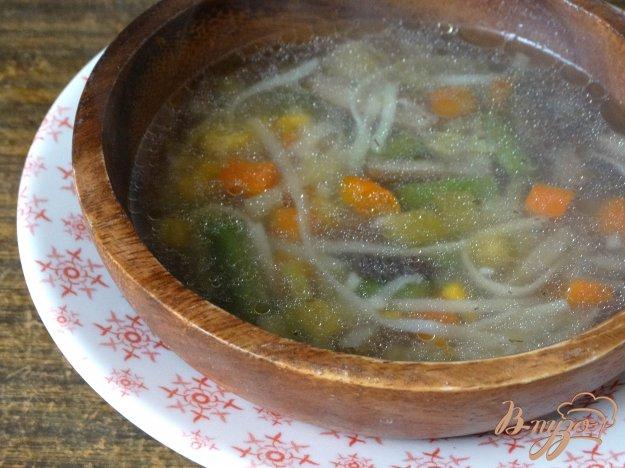 фото рецепта: Суп с мексиканской смесью, грибами и яичной лапшой