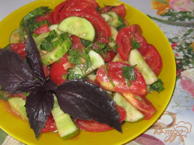 фото рецепта: Салат овощной с хреновой заправкой