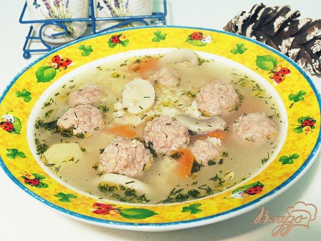 фото рецепта: Суп с фрикадельками, пшеном и шампиньонами