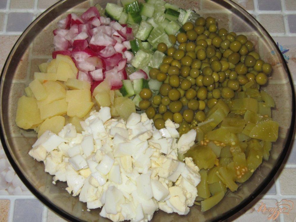 Салат с соленым помидорами