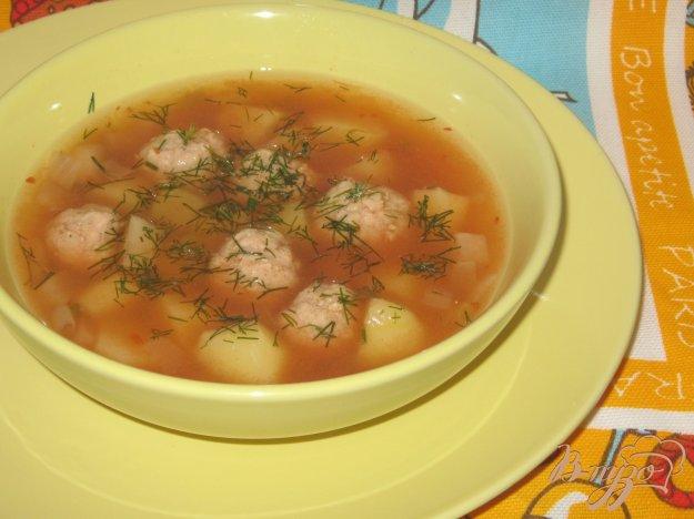 фото рецепта: Суп с фрикадельками и квашеной свеклой