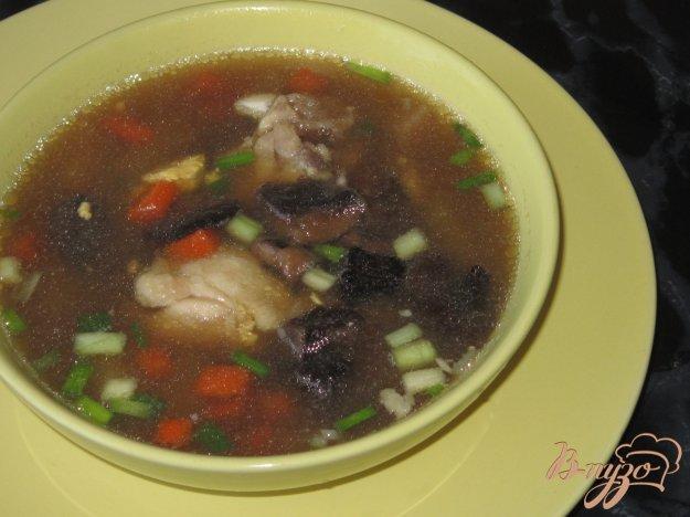 фото рецепта: Куриный суп с яйцом и лесными грибами