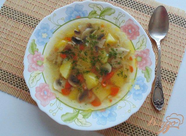 фото рецепта: Куриный суп с шампиньонами и вермишелью