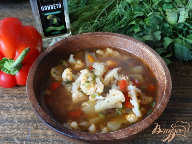 фото рецепта: Суп томатный с цветной капустой и грибами