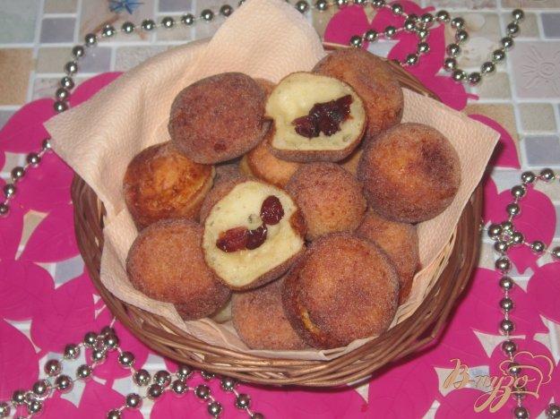 фото рецепта: Творожные шарики с клюквой в сахаре