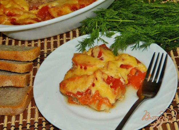 фото рецепта: Запеченная рыба в соево-сметанном соусе