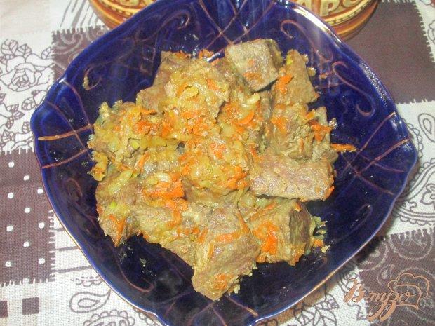 Свиная печень с луком и морковью