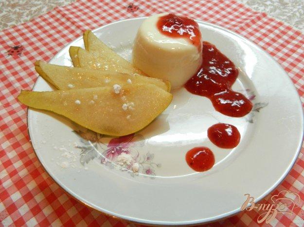 фото рецепта: Панакота с клубничным соусом