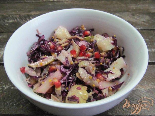 фото рецепта: Салат из красной капусты с курицей грушей и картошкой