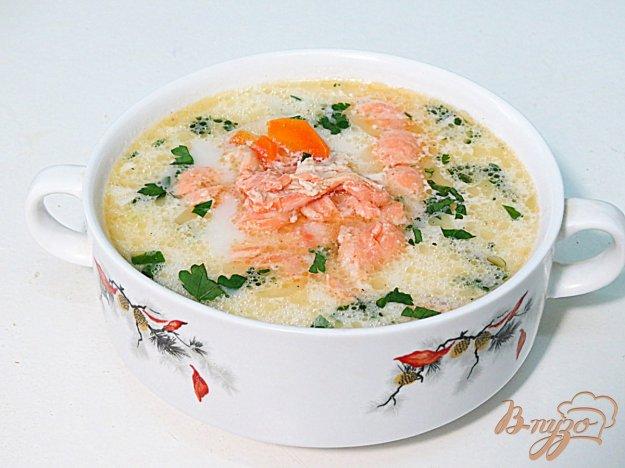 фото рецепта: Сливочный суп с лососем.