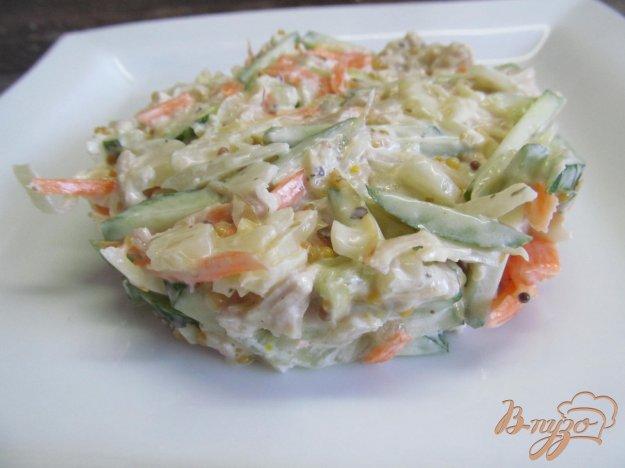 фото рецепта: Салат с жаренной капустой и курицей