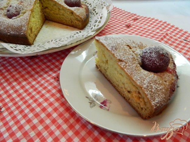 фото рецепта: Быстрый пирог со сливами