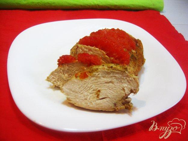 фото рецепта: Куриная грудка запеченная с грейпфрутом