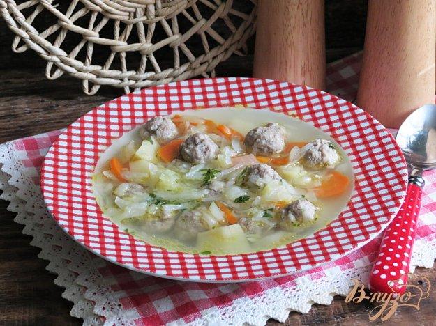 фото рецепта: Щи со свежей капустой и фрикадельками