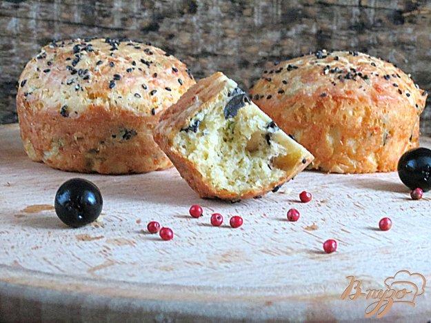 фото рецепта: Сырные булочки с маслинами
