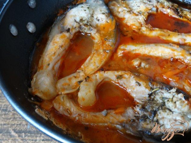 фото рецепта: Зеркальный карп тушеный в томатном соусе