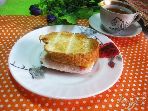 фото рецепта: Тост с крабовыми палочками и сыром
