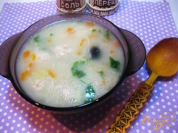 фото рецепта: Суп с фрикадельками и маслинами