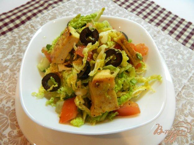 фото рецепта: Салат из савойской капусты с сыром тофу