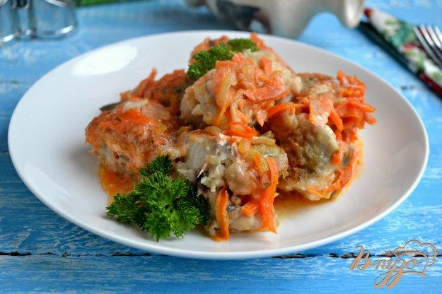 фото рецепта: Хек тушеный в томатно-сметанном соусе