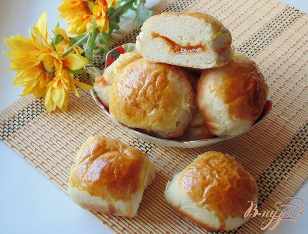 фото рецепта: Булочки с абрикосовым джемом