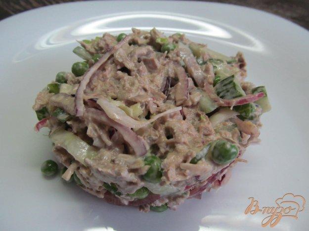 Салат из отварной свинины с луком