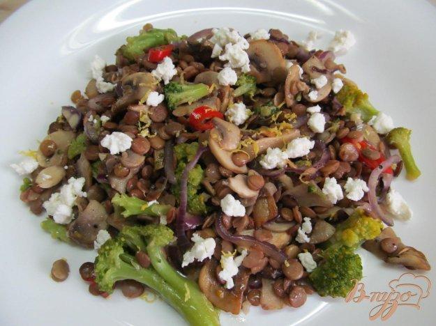 фото рецепта: Салат с чечевицей и овощами